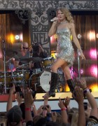 "Taylor Swift *Hotness* @ ""NFL Opening Kickoff"" Presented By EA Sports At Jackson Square In New Orleans -September 9th 2010- (HQ X4 &18) +Updated+"